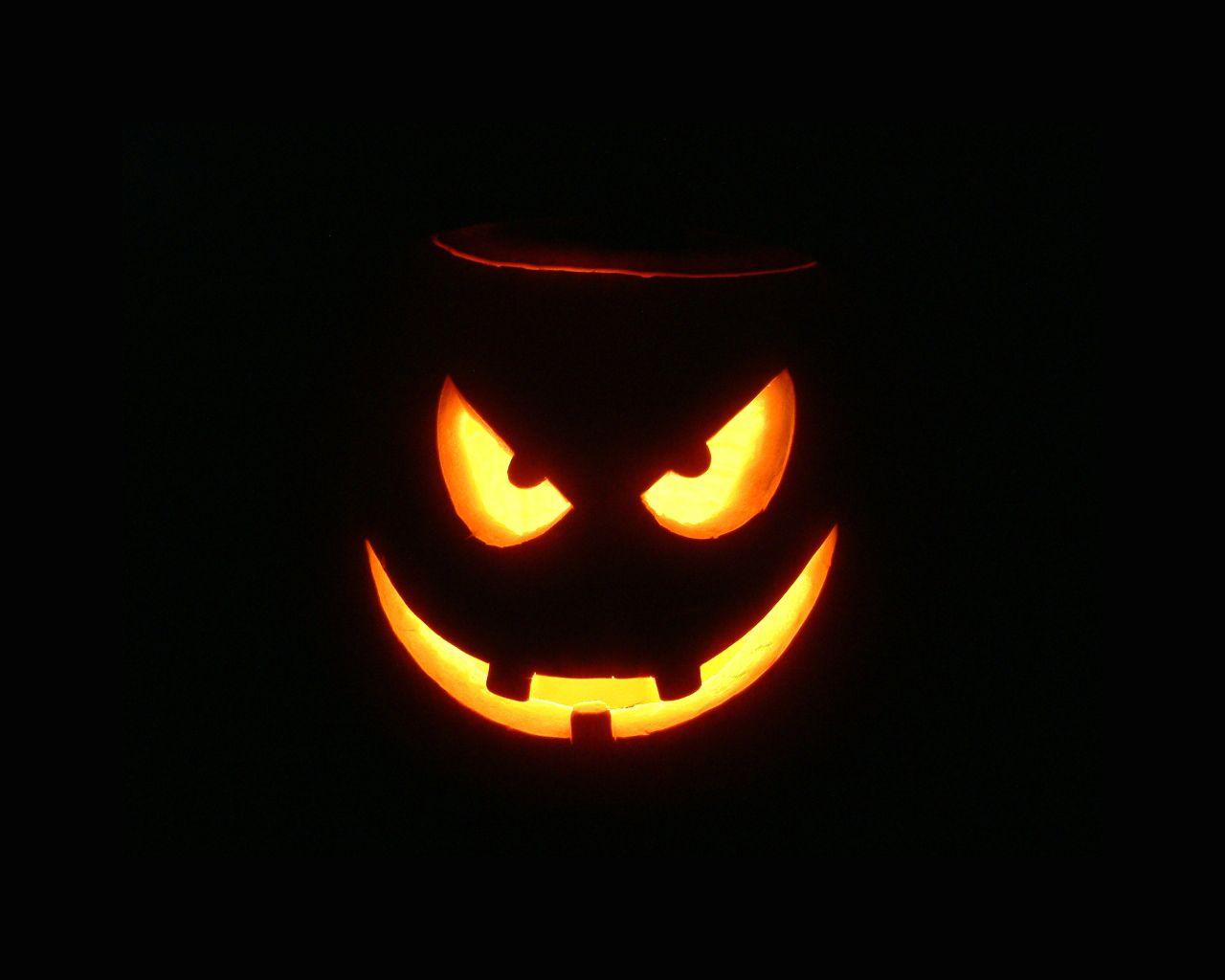 Simple Wallpaper Halloween Facebook - 00bc4a9996197839c34a58b1c93b7d8d  Image_47388.jpg