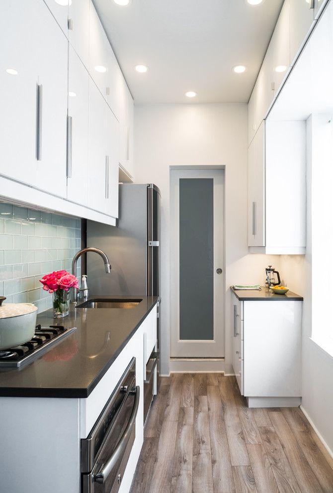 Cocina alargada dise o dise os de cocinas pinterest cocinas cocina peque a y decoraci n for Cocinas pequenas modernas en l