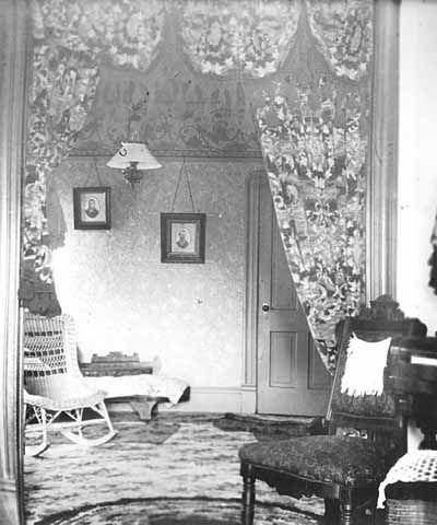 Amazing Living Room, 1900.