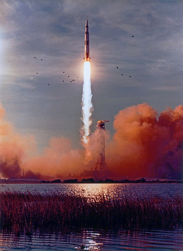 Apollo 8 launch, the first voyage to the moon, Saturn-5 ...