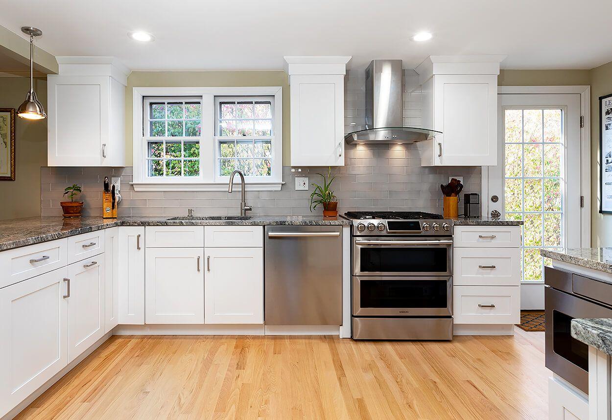 West Hartford Kitchen Remodel Viking Kitchen Cabinets In 2020 Kitchen Remodel Viking Kitchen Kitchen Cabinets