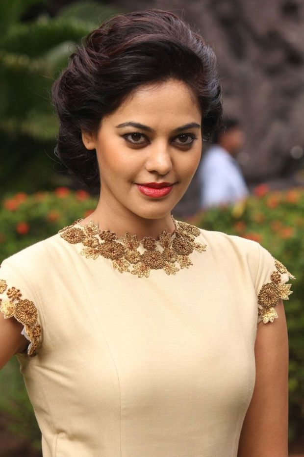 Bindu Madhavi Photoshoot Kollywood Fashion Style Beauty South