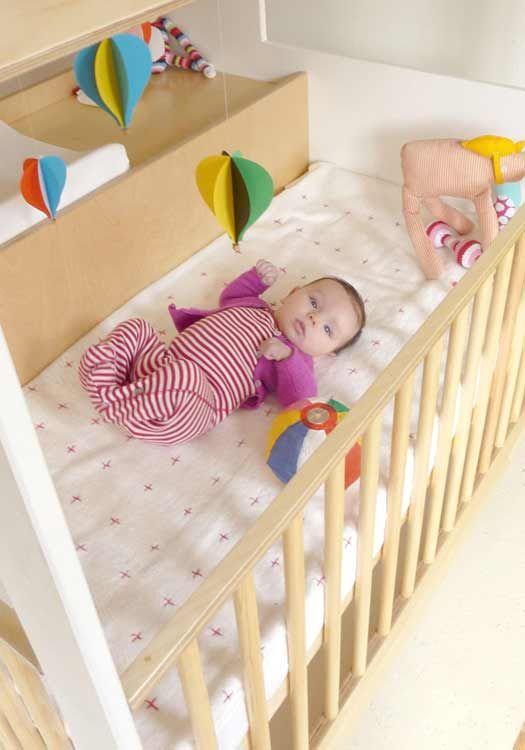 Un conjunto de cómoda y cuna para bebé muy original http://www ...
