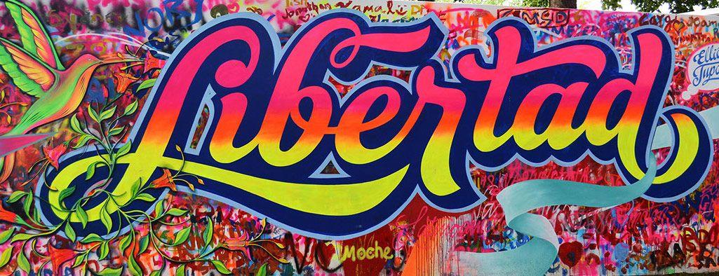 Fue el color lo primero que me atrajo de los proyectos de Elliot Túpac. Una explosión de arcoíris fluorescente que me inspira fiesta, verano, alegría, celebración… Su trabajo es puro letterin…