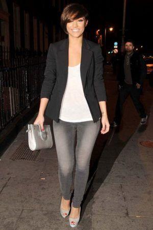 14 Outfits Con Jeans Grises Para Verte Sencilla Elegante Y Bonita Jeans Grises Ropa Ropa De Moda