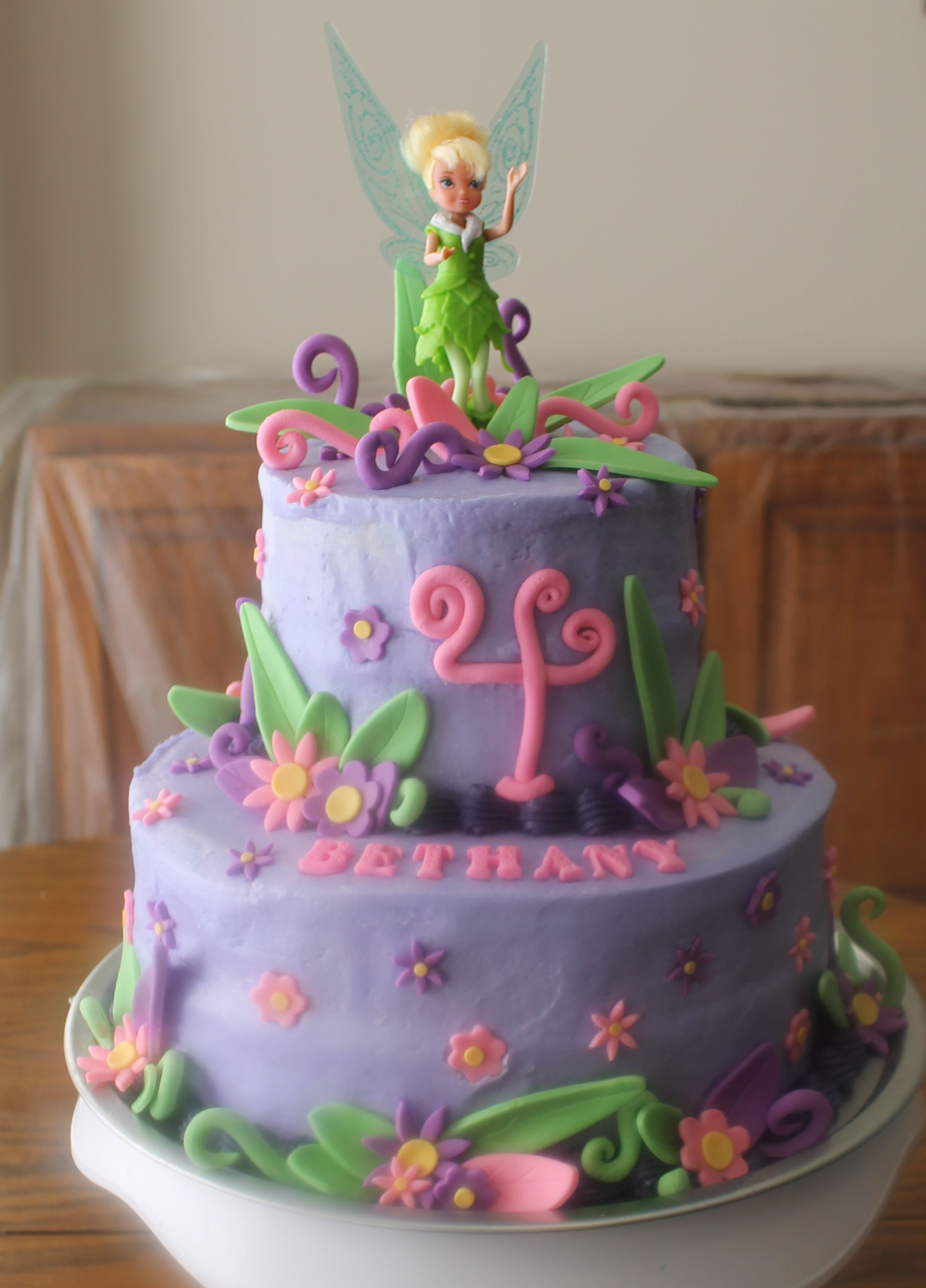 Tinkerbell cakes featured sponsors birthdays for Cuartos decorados de tinkerbell