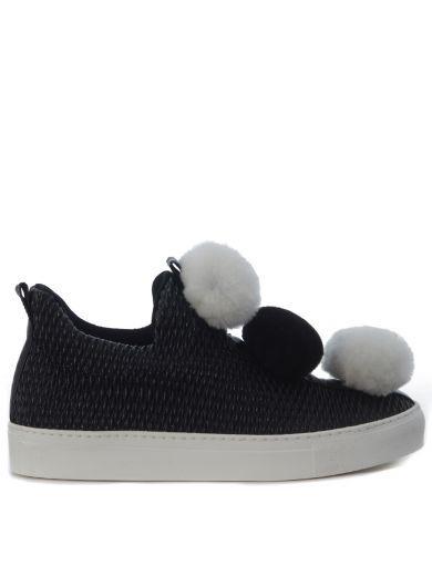 MINNA PARIKKA Slip On Minna Parikka Pompom In Pelle Arricciata Nera. #minnaparikka #shoes #slip-minna-parikka-pompom-pelle-arricciata-nera