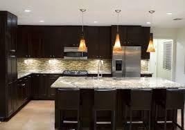 Risultati immagini per luci su isola cucina | Chandeliers ...