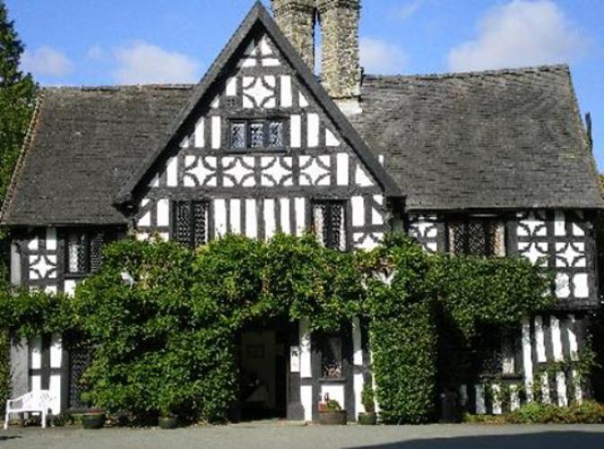 Newtown Luxury Hotel Powys Maesmawr Hall Wales Tourists