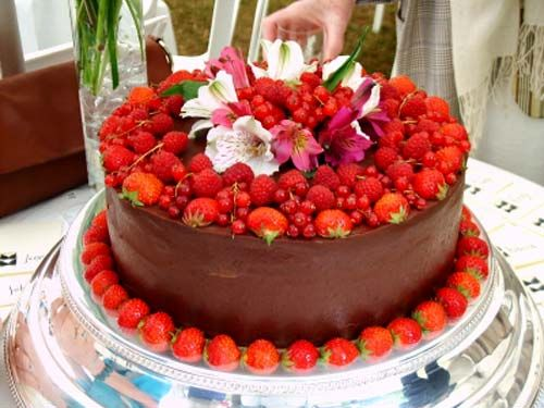 Beautiful Strawberry Cake Images : Unusual Wedding Cakes   Unique Cake Design HD Wallpapers ...