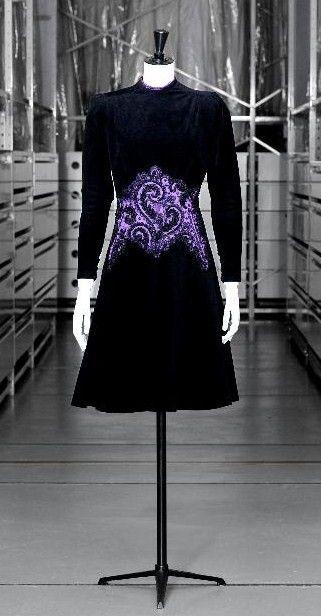 Cocktail dress, black wool velvet, embroidery on violet satin appliqué, Schiaparelli, AW 1943-1944, Palais Galliera, musée de la Mode de la Ville de Paris