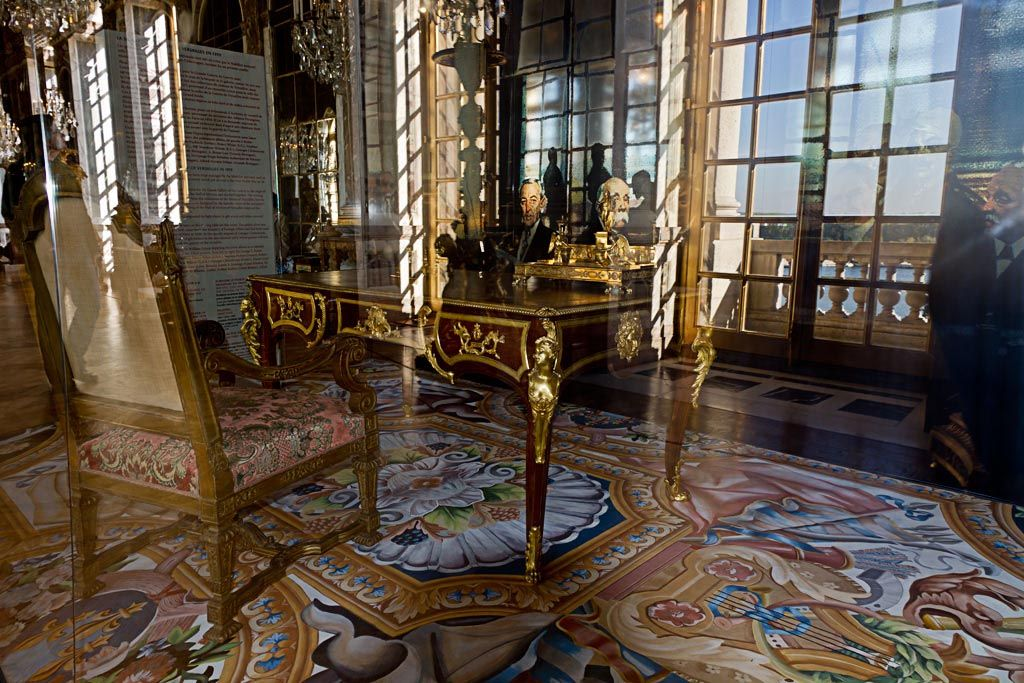 ch teau de versailles galerie des glaces bureau o fut sign le trait de versailles le 28. Black Bedroom Furniture Sets. Home Design Ideas