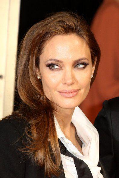 Pin By Antonio Navarro Jr On Angelina Jolie Angelina Jolie Angelina Natural Hair Color