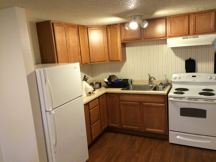 Spacious 2 Bedroom Near Hospitals Colleges Pioneer Park Billings Mt Rentals Spacious 2 Bedroom 1 Bath Lower Unit Apartme Apartments For Rent Apartment Rent