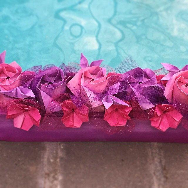 #origamirose#origamibox#wedding#centerpiece#mothersdaygift#origamiflower#paperflower#origami#aniversary#weddingflower#birthdaygift#design#foldingart#handmade#japaneseart#paperart#paperfolding#craft#purple#pink#gift#homedecor#decoration#beaut
