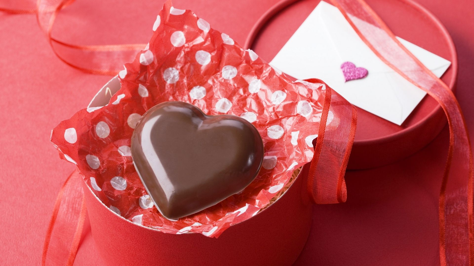Gift Heart Chocolate With Red Background Theme Shokolad Podarki Korobochki Happy chocolate day images 2021 dairy