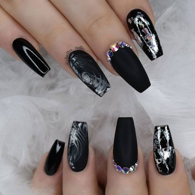 Matte acrylic nails look extremely different from the glossy ones ...