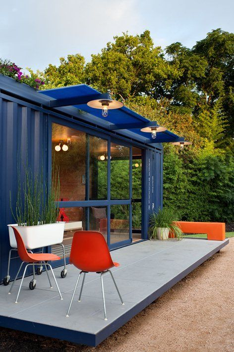 Container Guest House, San Antonio, 2010 - Poteet Architects, Brett