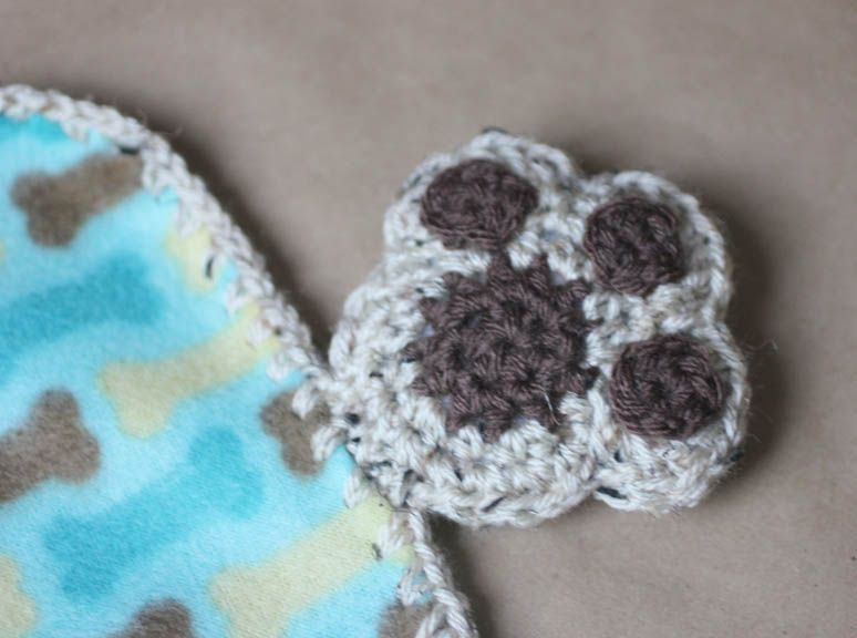 Repeat Crafter Me: Puppy Dog Lovey Blanket Crochet Pattern... love ...