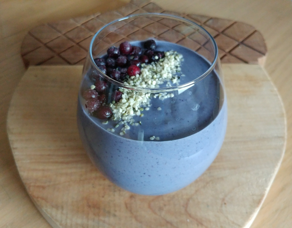 Wild Blueberry Avocado Protein Smoothie #ad | xtinaluvspink.wordpress.com