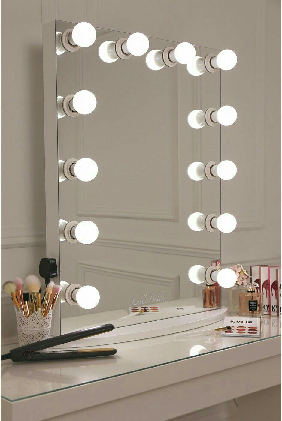white makeup vanity with lights. lullabellz hollywood glow vanity mirror led bulbs-features a sleek white design with 12 frosted light bulbs makeup lights