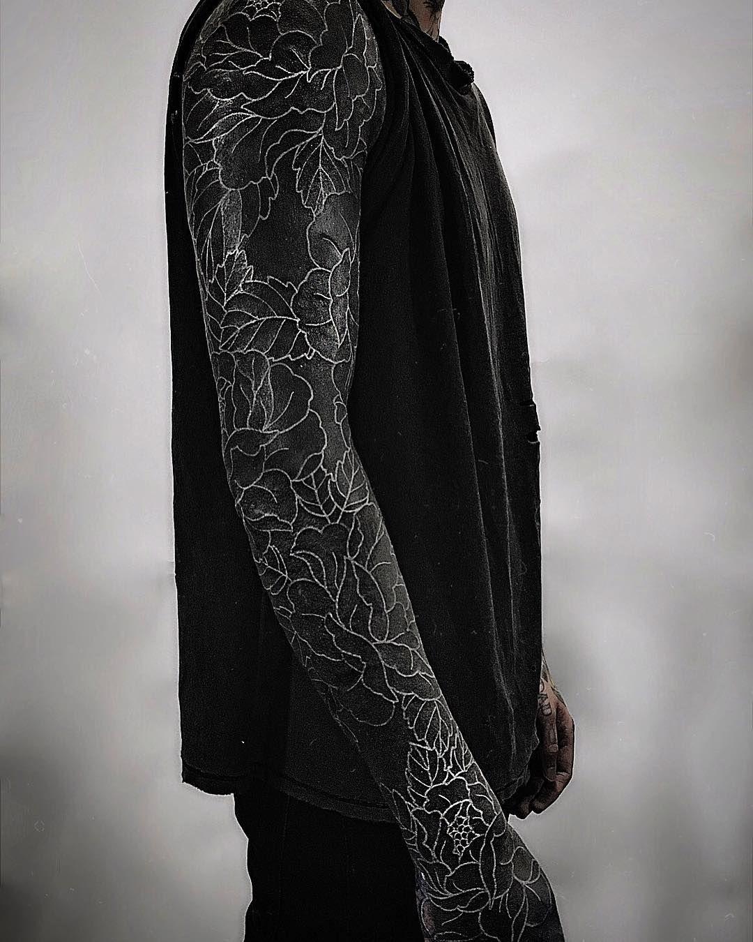 Oliver Sykes All Black Tattoos Black Sleeve Tattoo Solid Black Tattoo