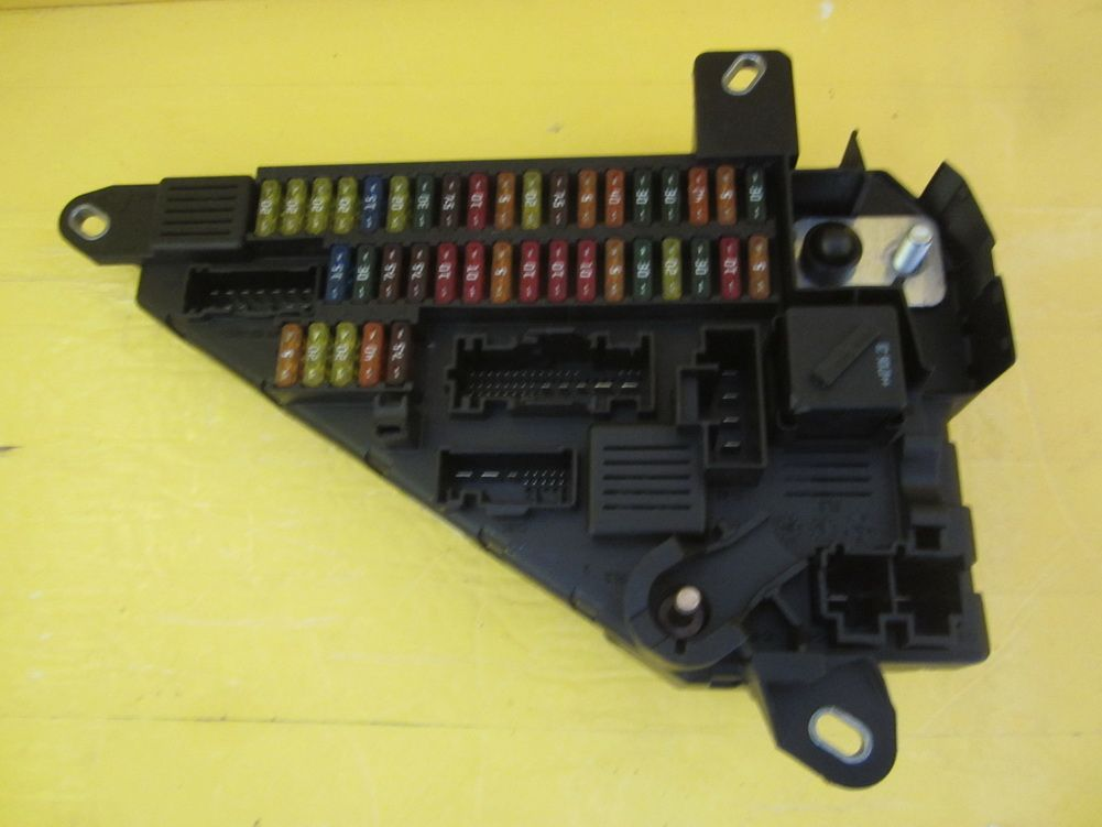 This Fuse Box is for 2007 ~ 2008 BMW 645i, BMW 645ci, BMW 650i ...
