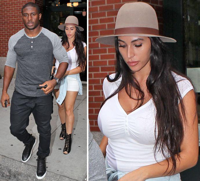 Reggie bush dating kim look alike new fish dating site