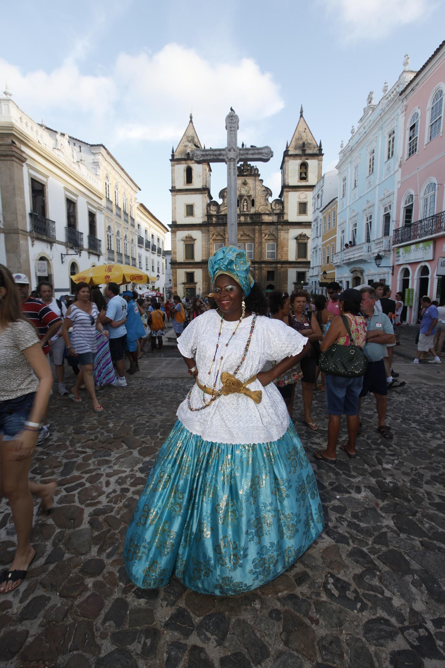 Verão lembra carnaval... Carnaval lembra Bahia.. Bahia lembra baianas :)