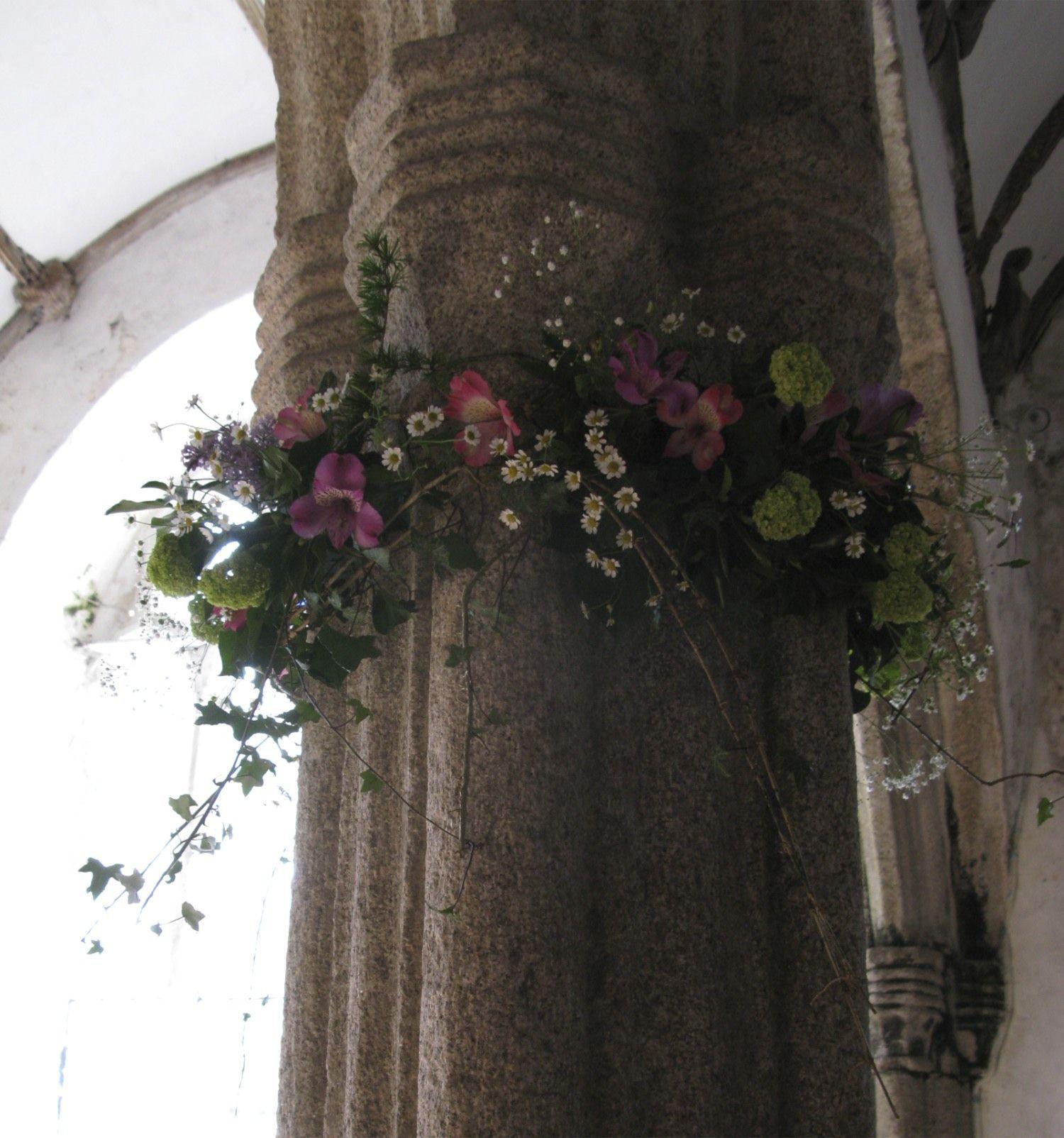 Christmas festival ideas for church - Church Pillar Flowers