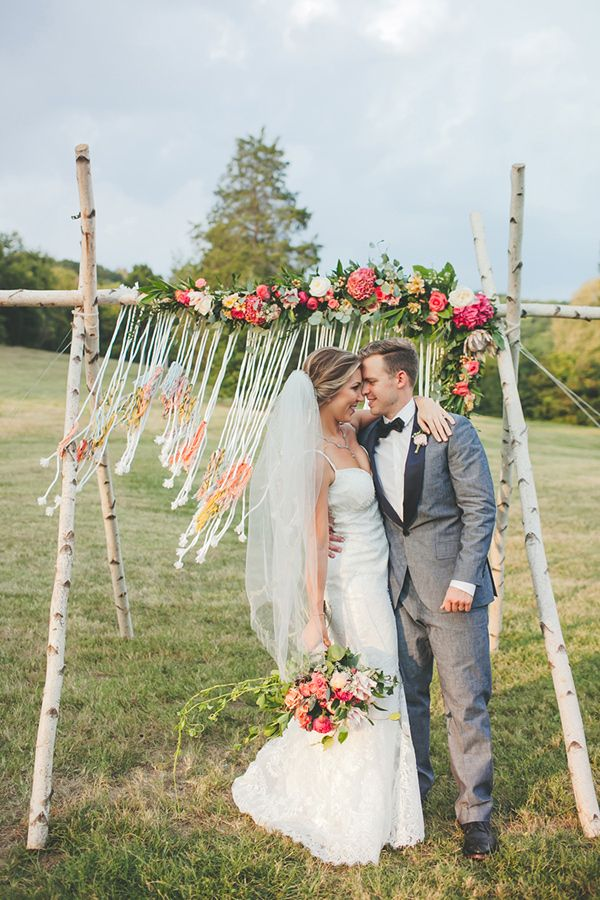 Colorful boho wedding at historic cedarwood pinterest boho colorful boho wedding at historic cedarwood photo by teale photography httpruffledblogcolorful boho wedding at historic cedarwood junglespirit Gallery