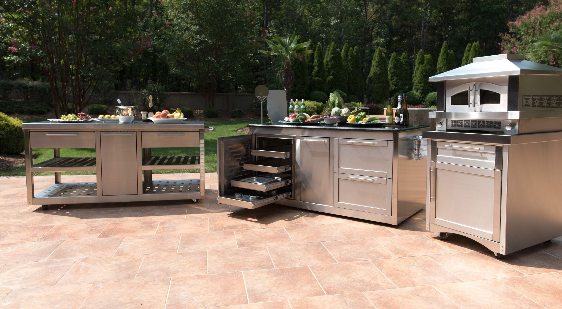 Sloan Outdoor Kitchens Manufactures The Best Stainless Steel Outdoor Kitchen Ca Outdoor Kitchen Cabinets Outdoor Kitchen Countertops Outdoor Kitchen Appliances