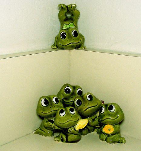 Cornered Frogs Frogs Frog Wallpaper Frog Art Frog Crafts