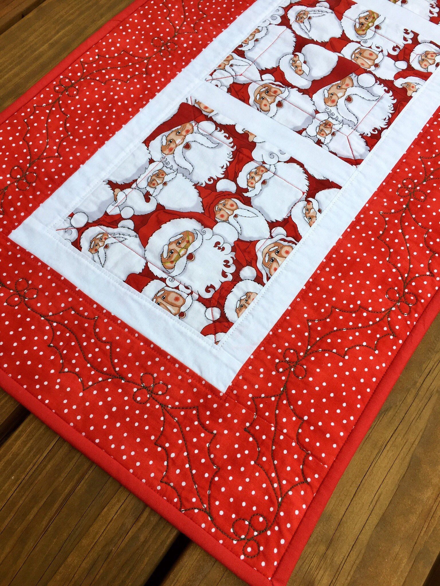 Large Santa Quilted Table Runner Red White And Black Christmas Decor Modern Santa Table Toppers Christmas Table Decorations Kid Friendly Quilted Table Runner Santa Quilt Christmas Table Decorations