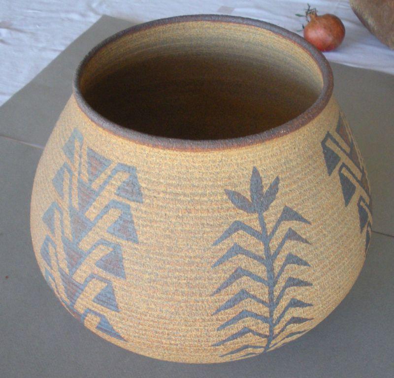 Ceramic Miwok Indian Pot by David Salk 10 inches high