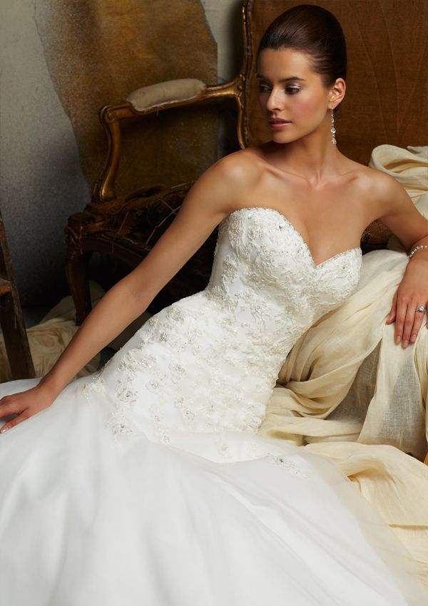 Come see this beauty at Bobbies Bridal in Peoria, IL! Wedding Bridal ...