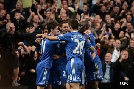 Chelsea berhasil meraih kemenangan meyakinkan 4-0 atas Tottenham Hotspur dalam lanjutan ajang Premier League musim 2014.