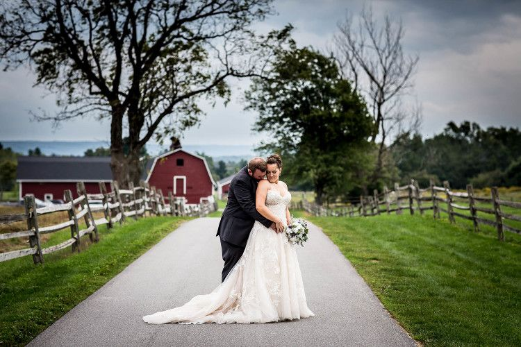 Jennifer Mike Knox Farm State Park Wedding Photography East Aurora Ny Park Weddings Aurora Wedding Wedding Photography