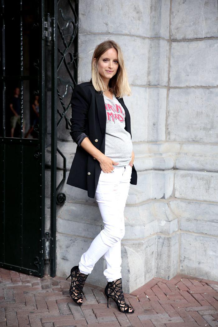 Jimmy Choo Fonda heels, H & M ripped jeans, H & M Divided t-shirt, and H Trend blazer