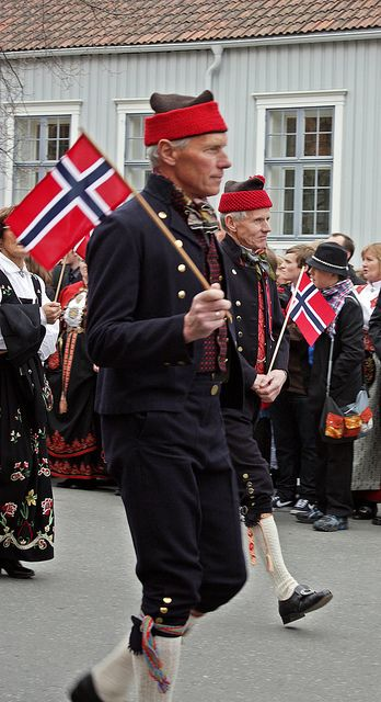 Men In National Costumes Traditional Outfits Norwegian Men Folk Fashion