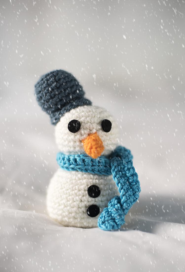 Patrón de muñeco de nieve (gratis) - Free snow man crochet pattern ...