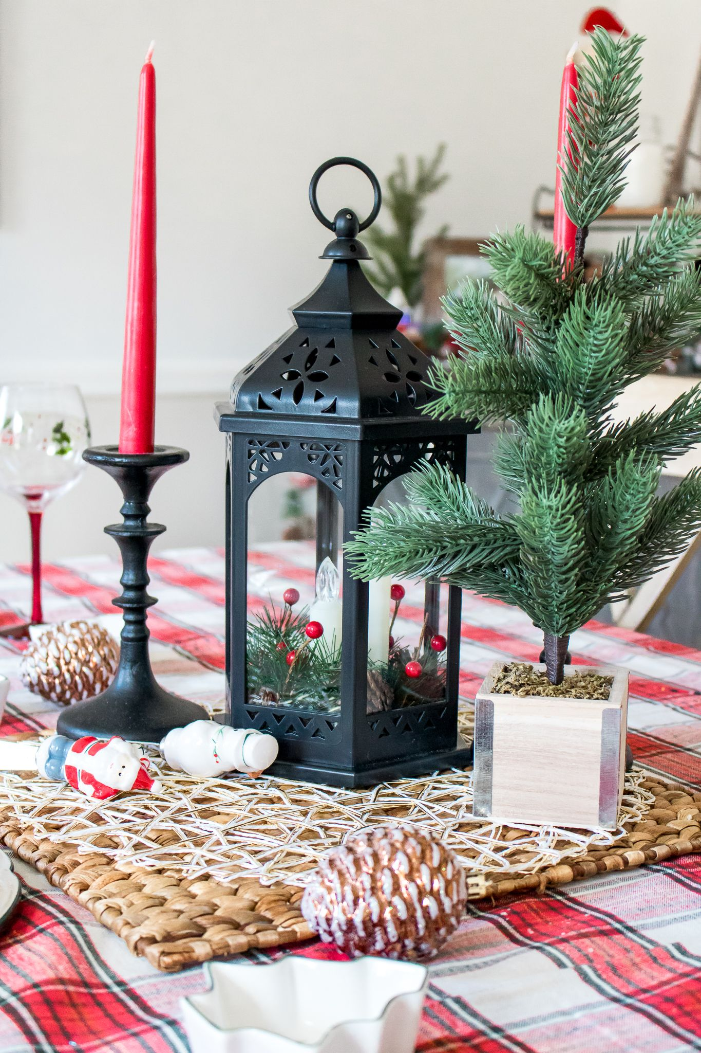 Decorating the dining room for the holidays with boscovs
