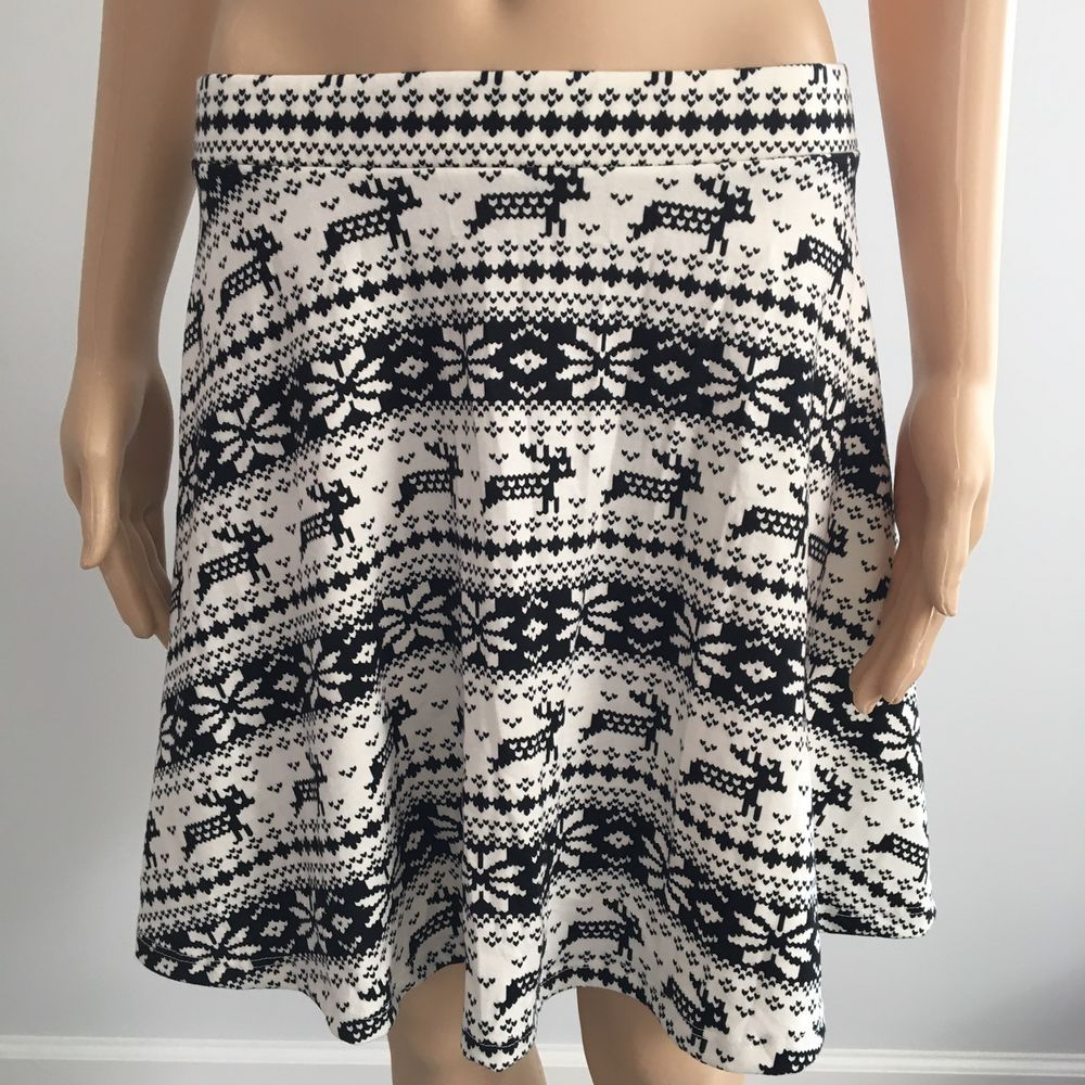 Nwt Rue 21 Black White Holiday Reindeer And Snowflakes Patterned