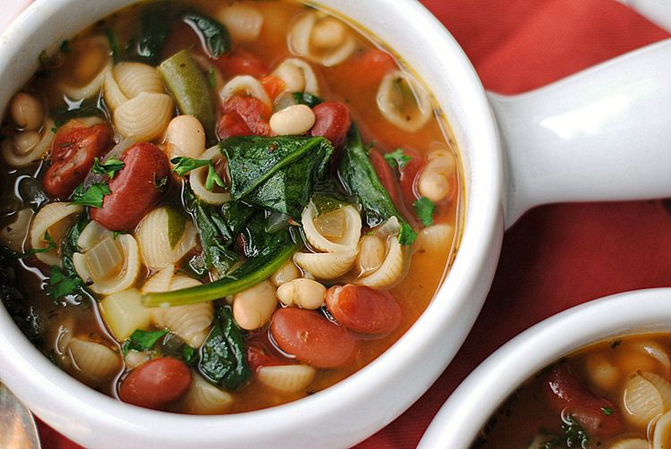 Olive garden inspired minestrone soup recipe warms my - Olive garden soup and salad dinner ...