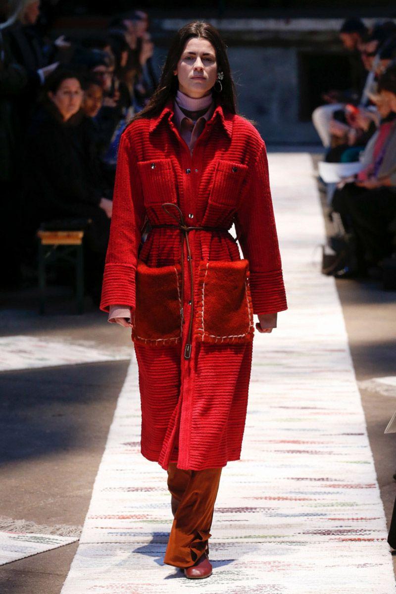 Пальто из вельвета осень-зима 2018-2019   runaways   Ready to wear ... 4db57e4b80e