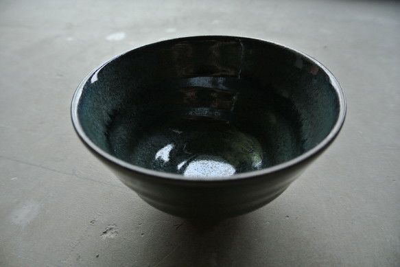 緑色のごはん茶碗少し大きめなので男性用、お茶漬け茶碗としても緑一色ではない景色を楽しんで頂けたらと思っていますサイズ口径:11.5cm高さ:7cm重さ:150...|ハンドメイド、手作り、手仕事品の通販・販売・購入ならCreema。