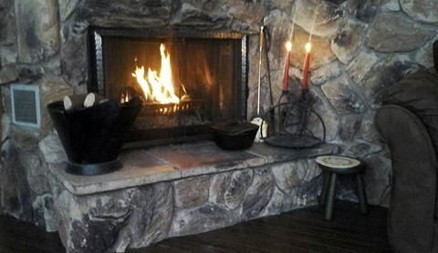THE BLESSED HEARTH: Ten lovely ways to make your Winter home cozy....  http://theblessedhearth.blogspot.ca/2017/02/ten-lovely-ways-to-make-your-winter.html