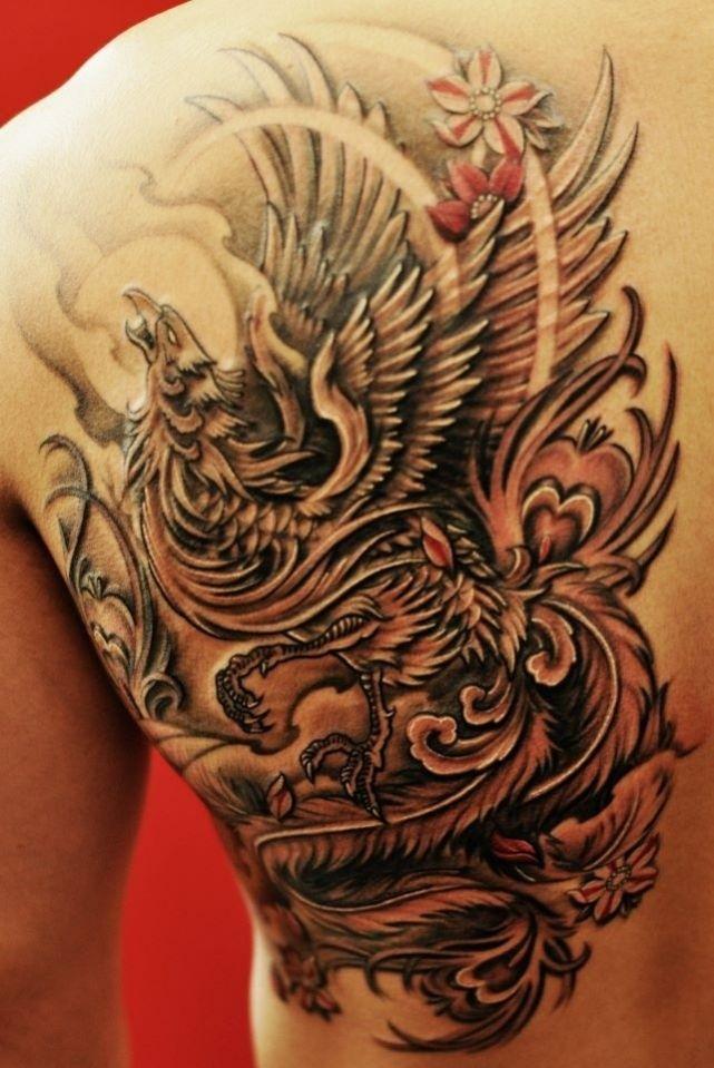 tatouage de phoenix sur le dos de chroniques d 39 encre. Black Bedroom Furniture Sets. Home Design Ideas