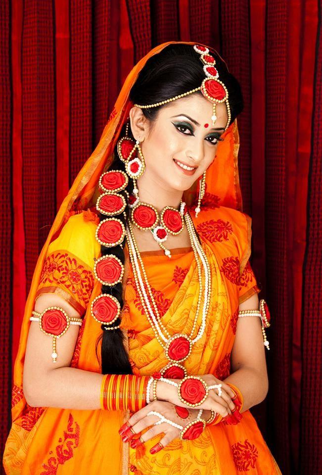 her holud sari! Bride, Asian bride, New fashion saree