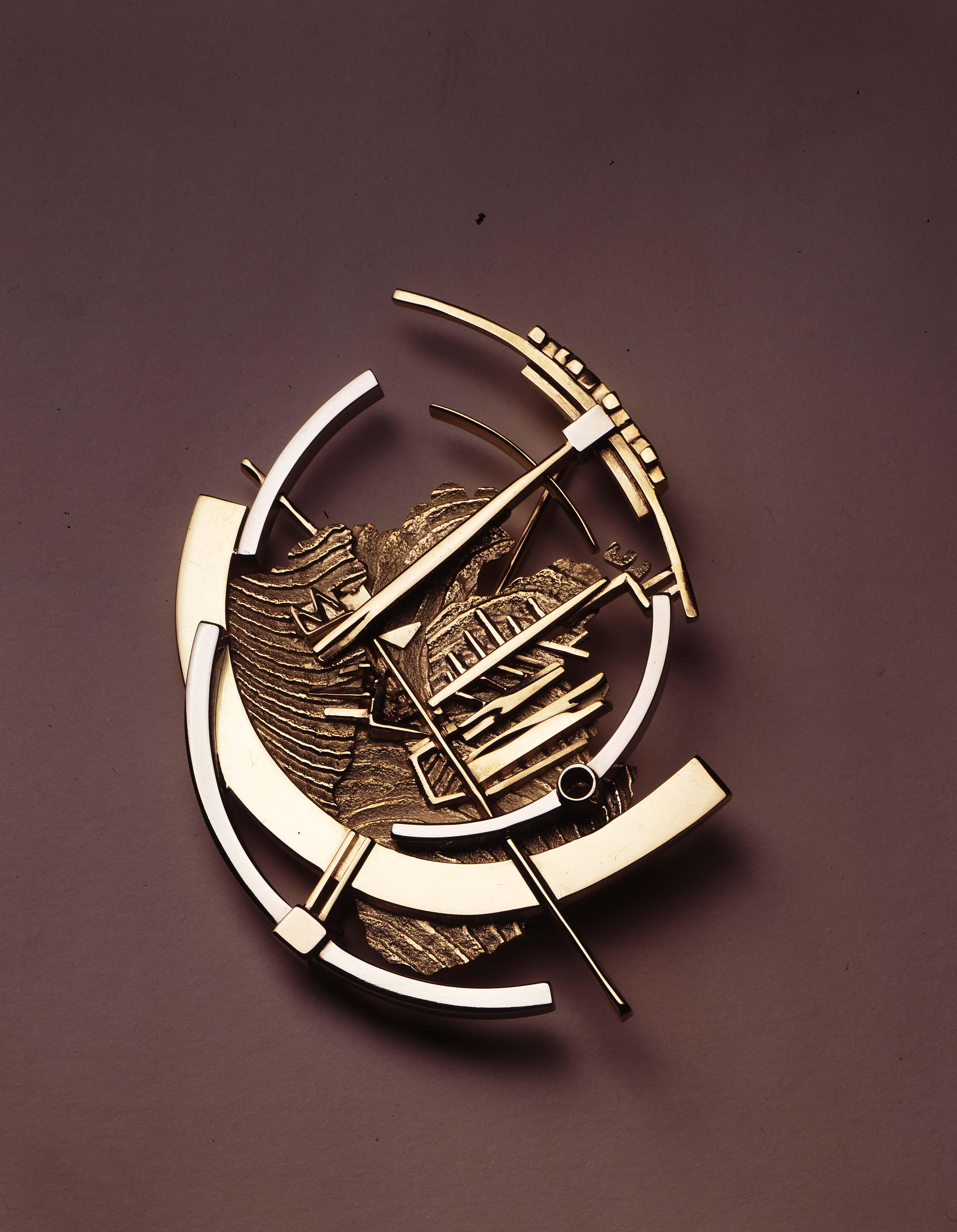 Gio 39 pomodoro spilla 1959 nel 2020 gioielli scultura for Design di gioielli